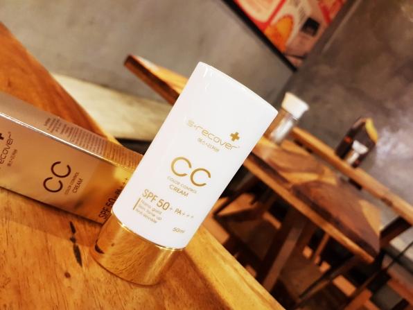 1) Product Photo Lifestyle - CC Cream..